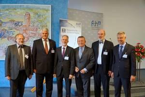 Photo: (v.l.) Heiner Bielefeldt, Markus Grübel, Christof Sauer, Hermann Gröhe, Thomas Schirrmacher, Manuel Lösel © Martin Warnecke/IIRF