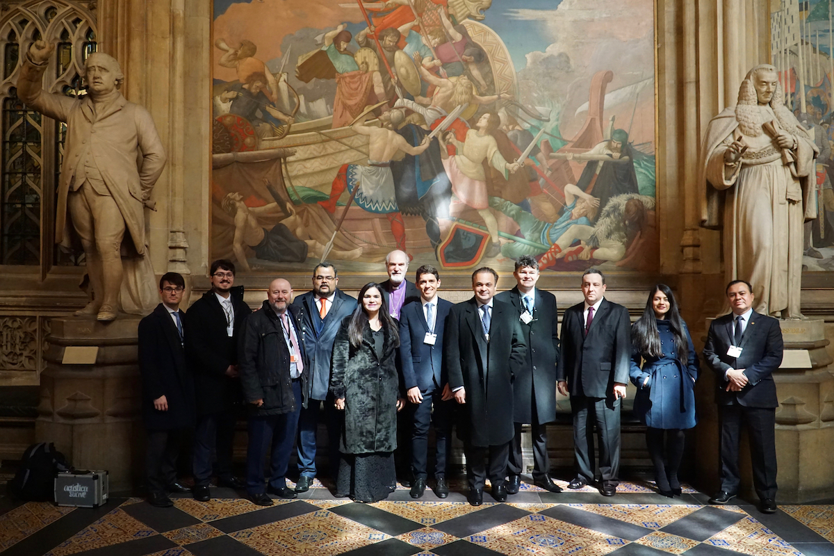 Photo: Supporters and Founders of the IHRF in the Entrance Area of the British Parliament © BQ/Warnecke
